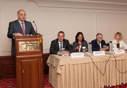 Ο Υπουργός Δημόσιας Τάξης & Πτ.Π κος Ν.Δένδιας , Ο Ευρωβουλευτής της Ν.Δ κος Γ. Παπανικολάου , Η Πρόεδρος της Κι.Πο.Κ.Α κα Β.Βερνίκου ,  Ο Πρέσβης της Μάλτας κος W.Balzan   ,  Η εκπρόσωπος της Ε.Ε. στην Ελλάδα  κα Monika Ekstrom